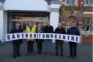 A petition to help save Gainsborough town centre has had more than 2,000 signatures